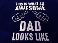 this-is-what-an-awesome-dad-looks-like-t-shirt-[3]-3584-p